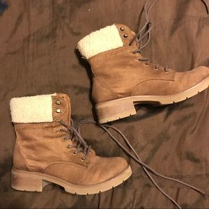 Shoes - Combat boots with Sherpa trim